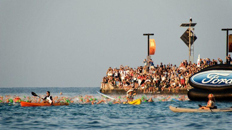 Kona start in 2008. (Photo: Dennis Crabtree/Flickr)